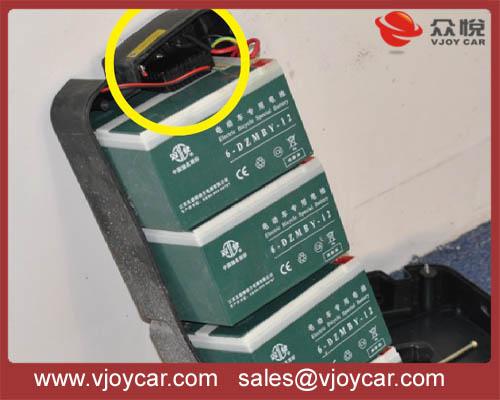 install sample inside motorcycle battery-mini gps tracker